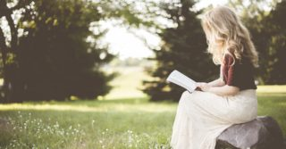 Как начать читать книги на английском: 5 простых способов