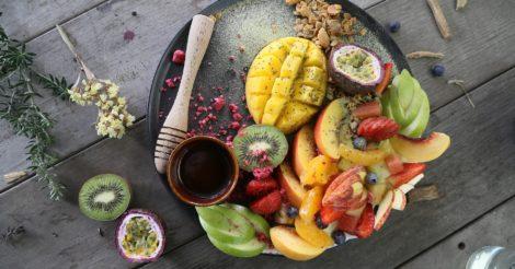 Манго – польза и вред, калорийность, как чистить и есть