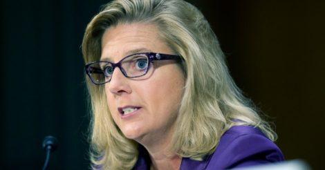 Впервые женщина может возглавить Министерство армии США