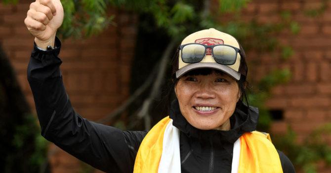 Учительница из Гонконга покорила Эверест и стала самой быстрой альпинисткой