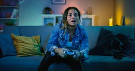 В видеоигры стало играть на 41% женщин больше: и вот почему