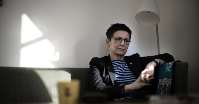 Женщина-мэр покинула политику и стала водителем мусоровоза