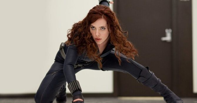 Скарлетт Йохансон подала в суд на Disney из-за показа фильма «Чорная вдова»