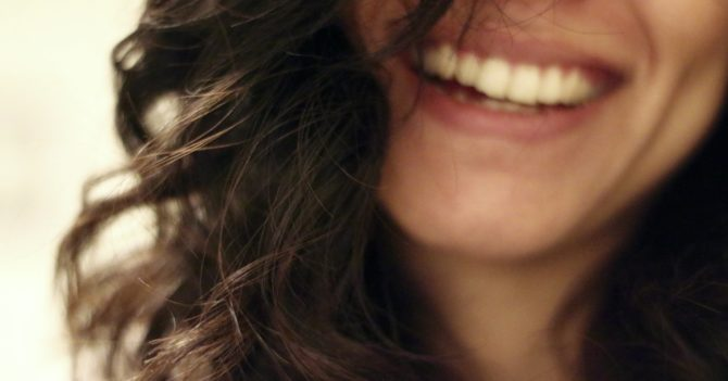 Біологія сміху: Чому ми сміємося?