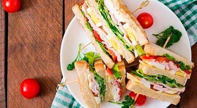 Идеальный завтрак: рецепт клаб-сэндвича от шеф-повара