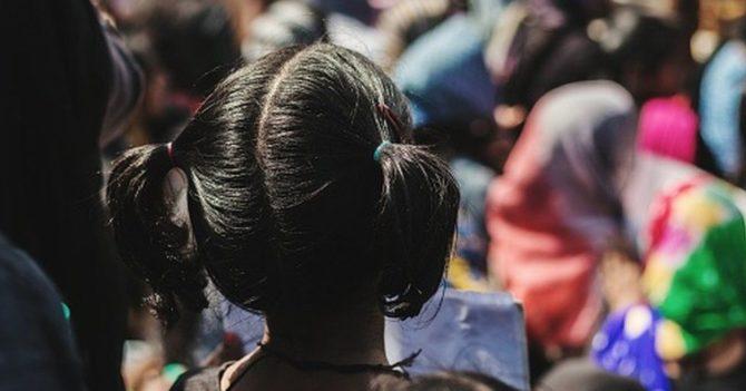 В Индии местные жители хотели вызвать дождь: они проводили ритуал с несовершеннолетними девушками