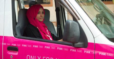 В Грузии запускают круглосуточное такси для женщин