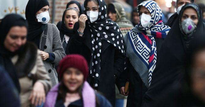 В Иране запретили показывать, как женщины едят пиццу и пьют напитки красного цвета
