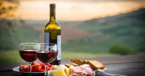 5 темпераментных испанских вин для уютных осенних вечеров